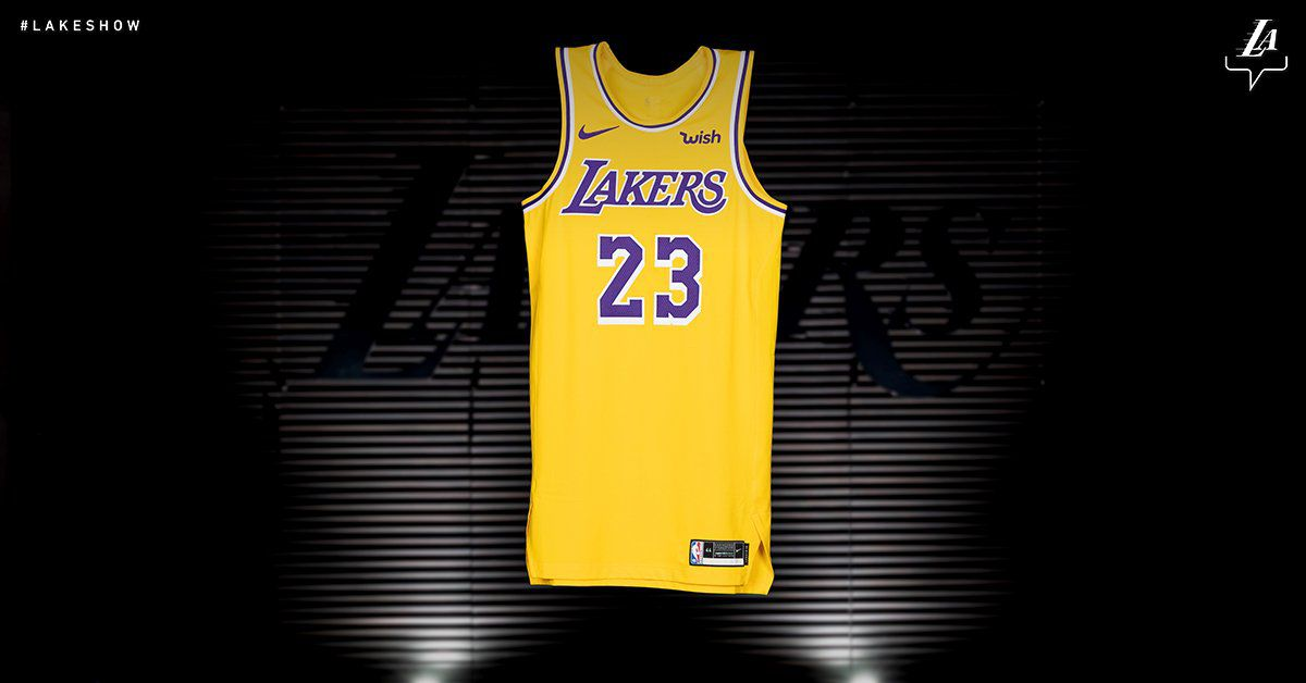 The Lakers Are Going Back To Their Showtime Jerseys And