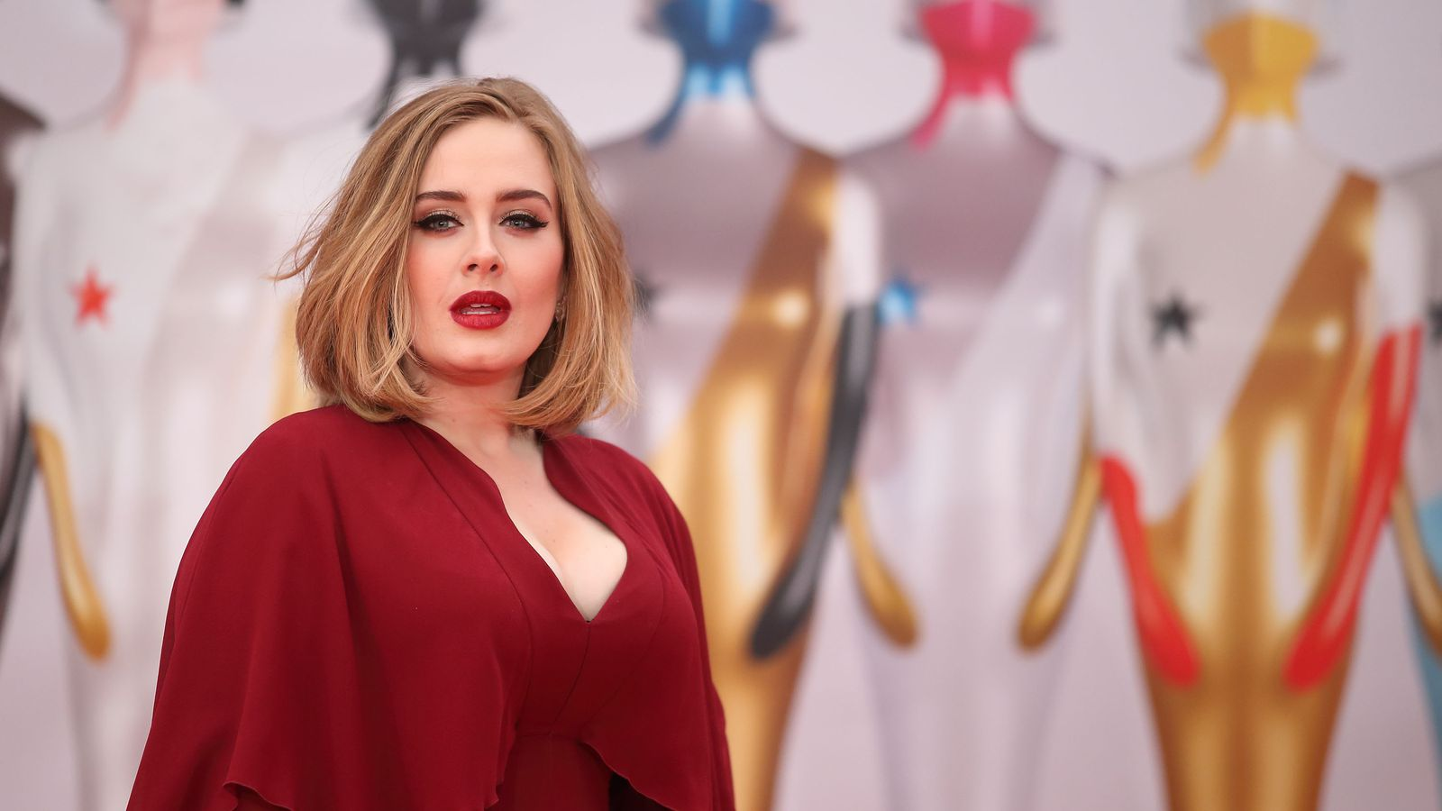 Adele and Rihanna Slayed the Brit Awards Red Carpet
