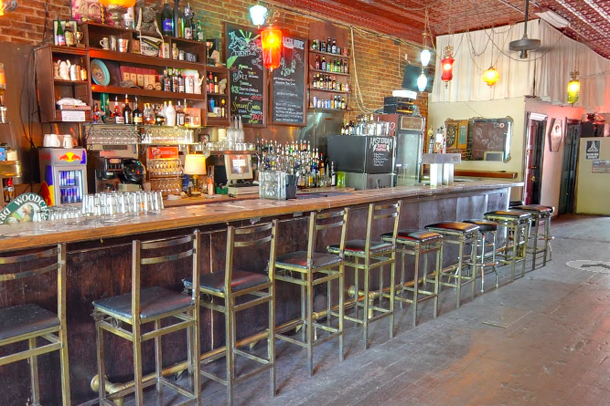 The Amsterdam Bar space is getting a new tenant.