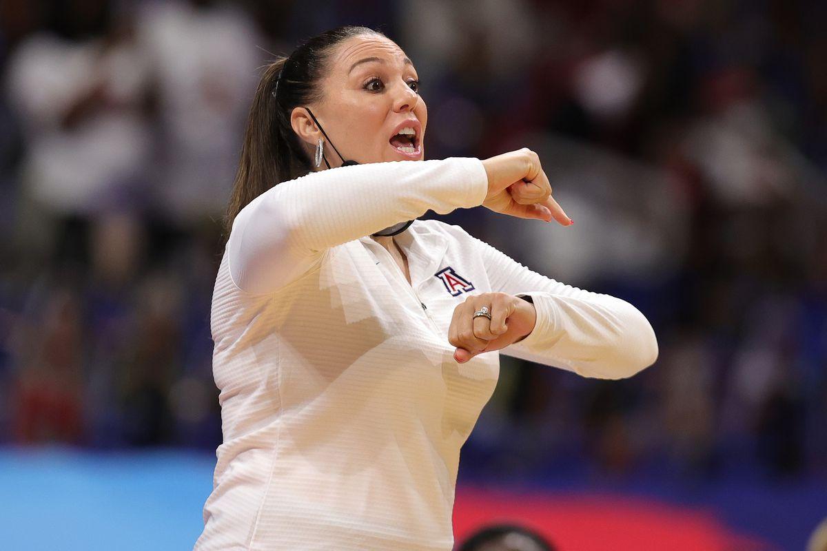 arizona-wildcats-womens-basketball-adia-barnes-contract-extension-salary-details-auriemma-mulkey
