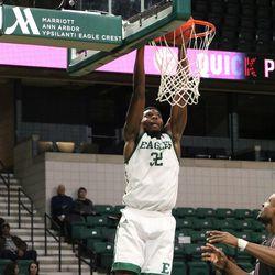 Isaiah Green dunking.