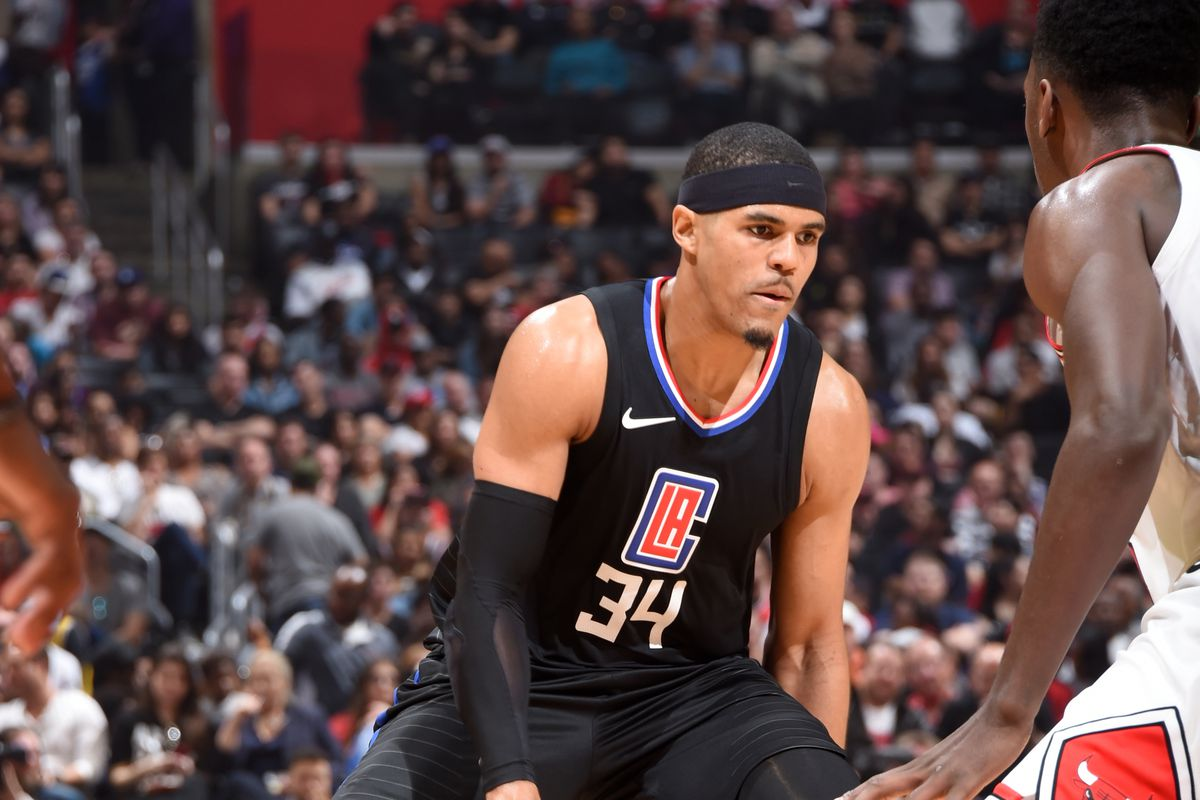 Game Preview  New-Look Clippers Play Host to Mavericks - Clips Nation 4159f500c