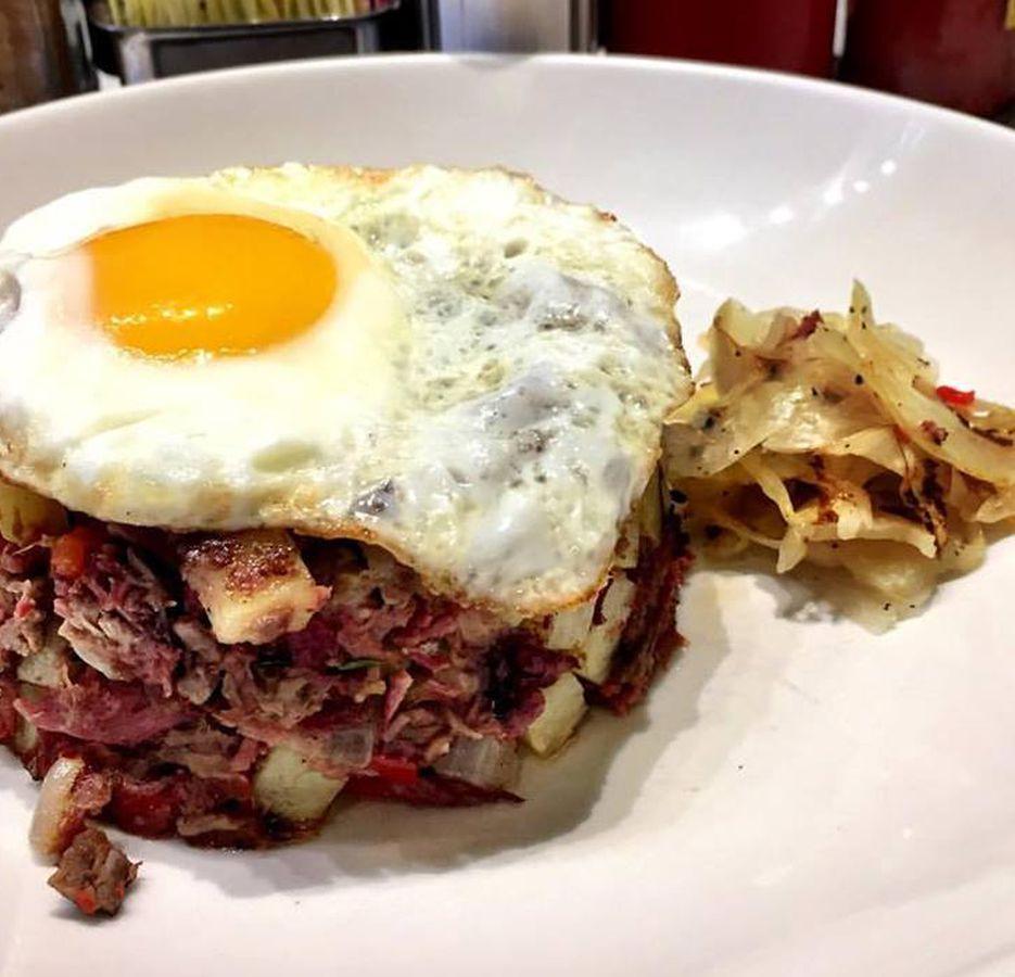 Ari's Diner DC corned beef