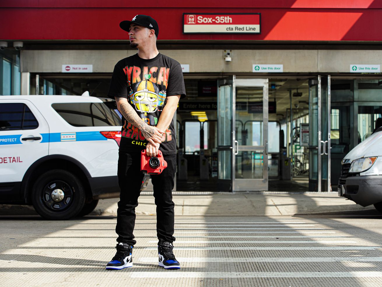 How Chicago man went from overnight shifts to Tim Anderson's personal photographer
