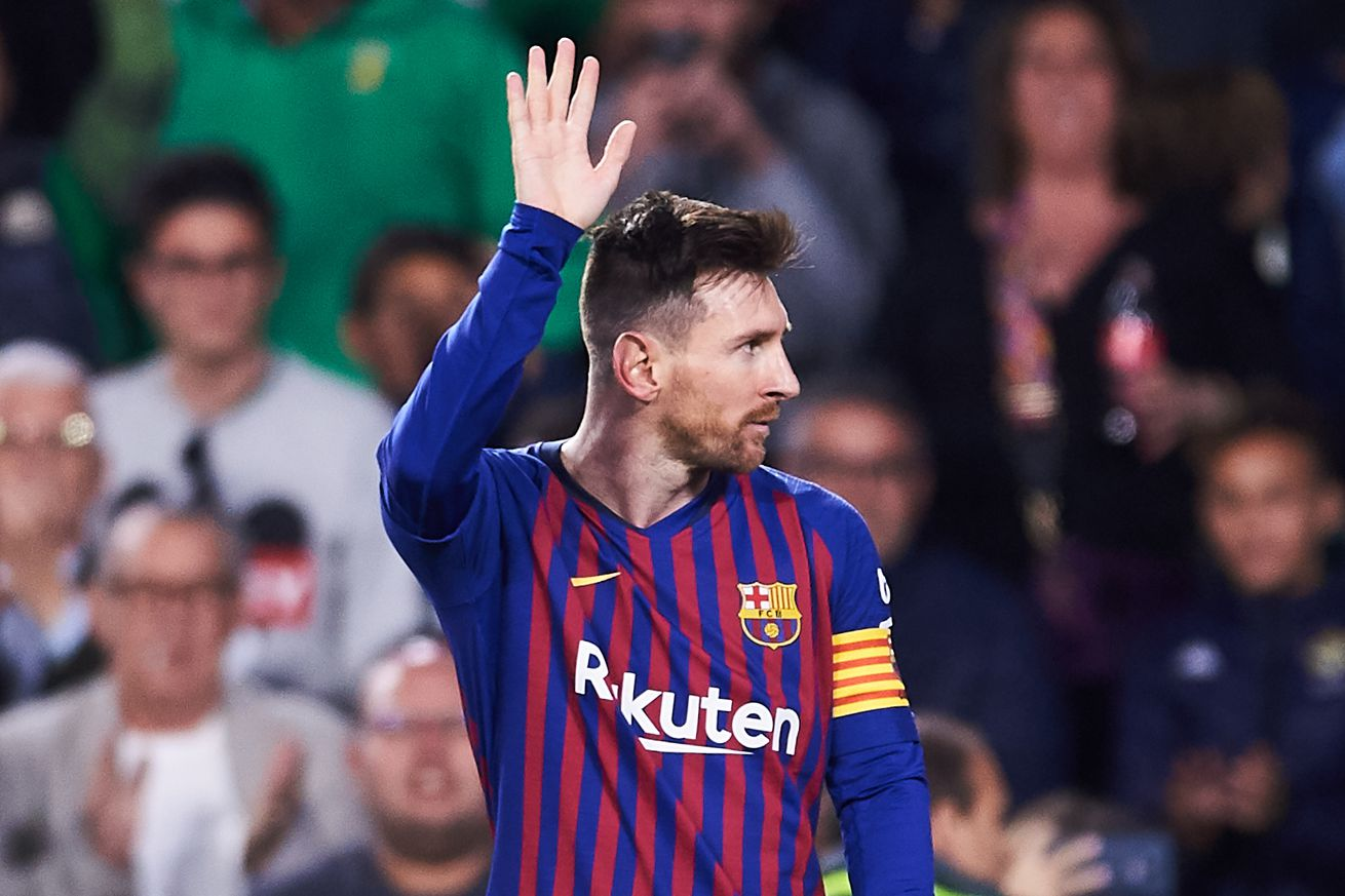 Messi gratedul to Real Betis fans after hat-trick ovation