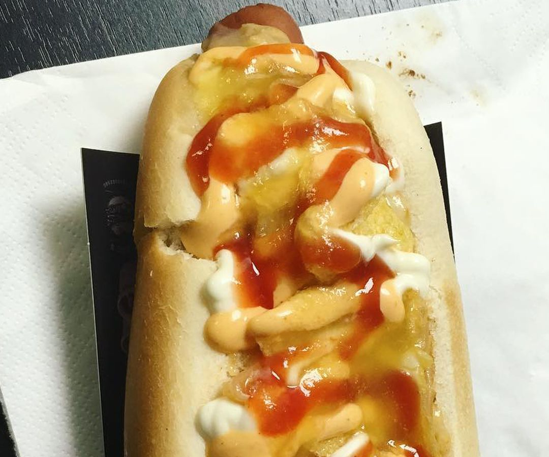 Migues in Elephant Castle serves a singular hot dog