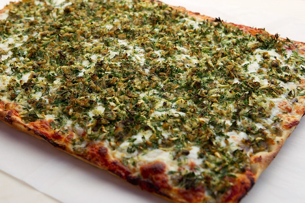 Clam and garlic pizza at Golden Boy
