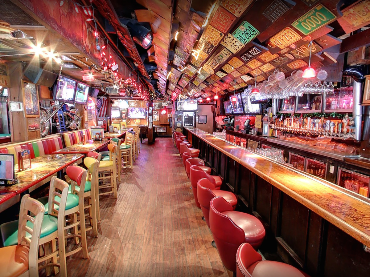 A colorful look inside the kitsch of longtime bar Barney's Beanery.