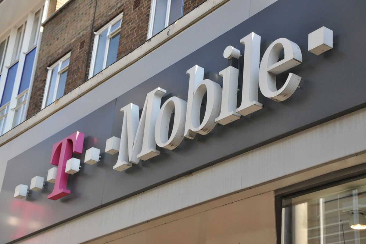 T Mobile Promises A 15 Budget Connect Plan With 2gb Data If The Sprint Merger Goes Through The Verge