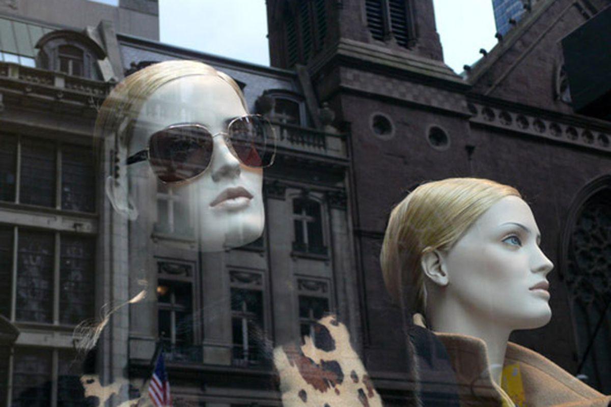 """Escada windows via <a href=""""http://modelizing.blogspot.com/2009/09/escada-prada-bergdorf-goodman.html"""">Modelizing</a>"""