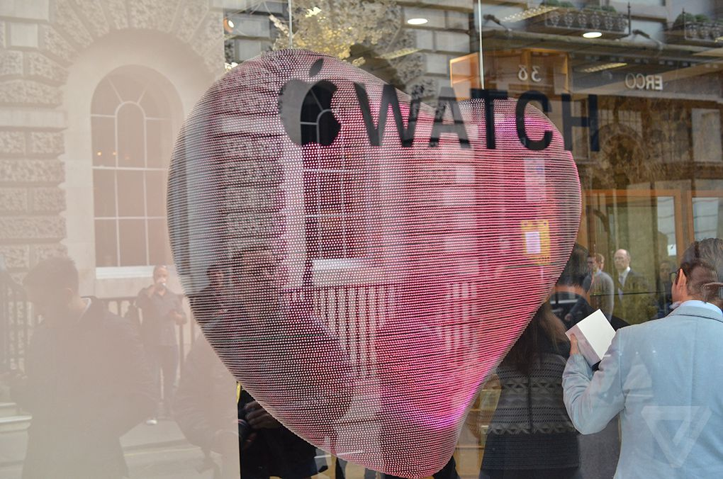 Apple Watch beating LED heart
