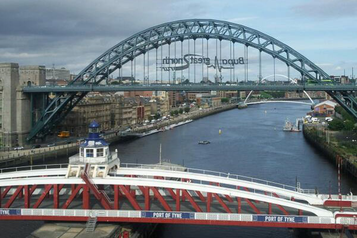 I wish I was on the Quayside looking at the auld Tyne Bridge