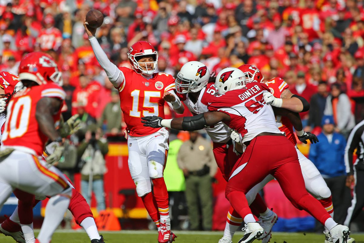 Patrick Mahomes sets single-season franchise record with 31 touchdowns