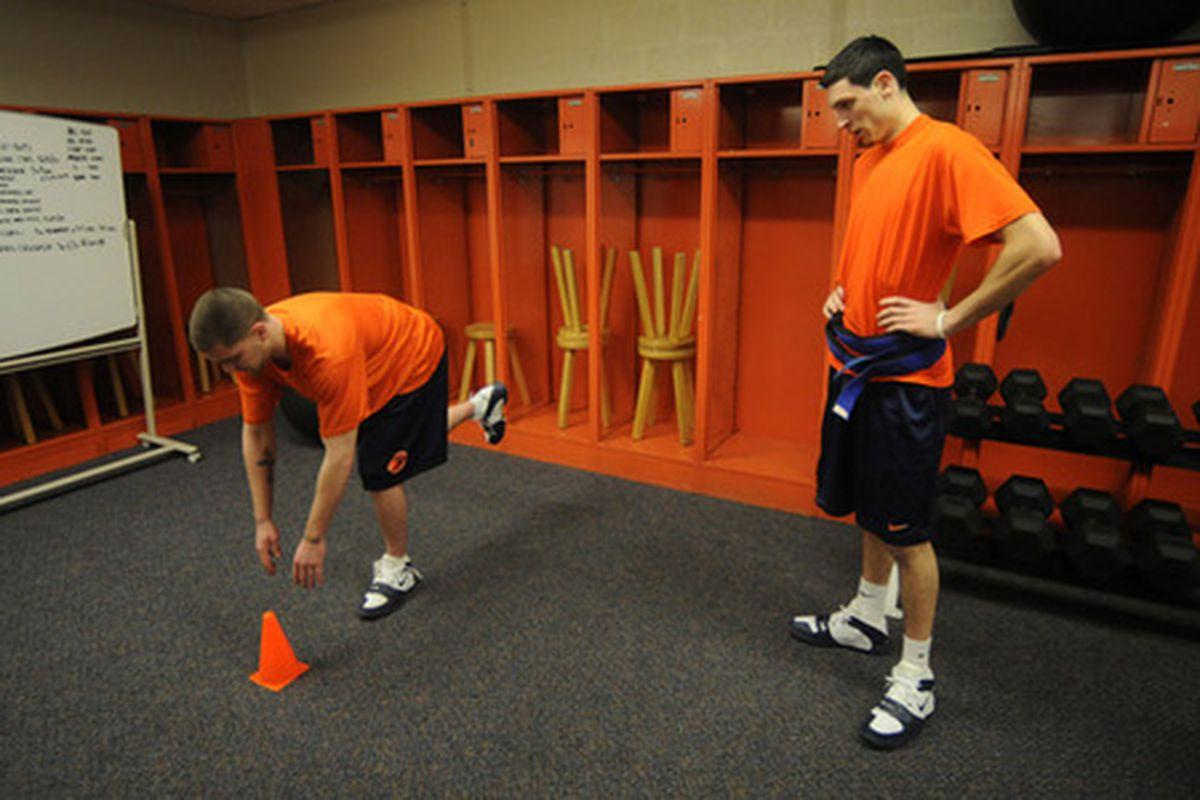 """via <a href=""""http://blog.syracuse.com/orangebasketball/2008/01/large_eric"""">blog.syracuse.com</a>"""