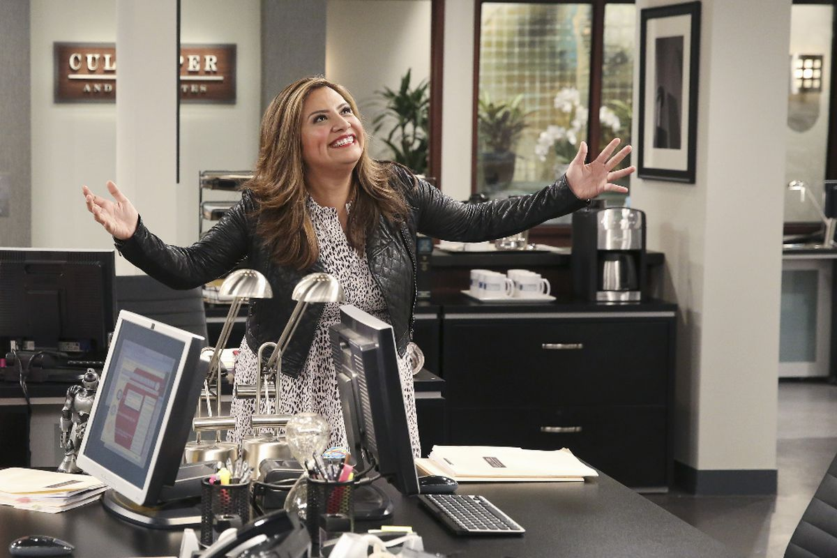 Cristela Alonzo stars in Cristela. Yes, the show is named after her.