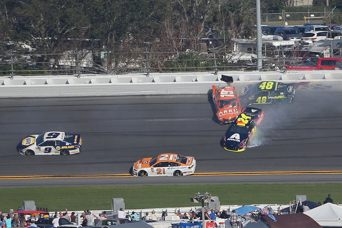 Daytona 500 2018: Jimmie Johnson knocked out by big Stage 1 wreck ...