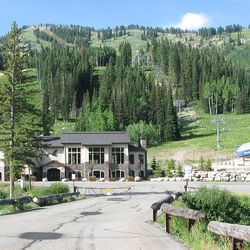 1. From the Solitude Lodge, the trail starts on the north end of the parking lot.