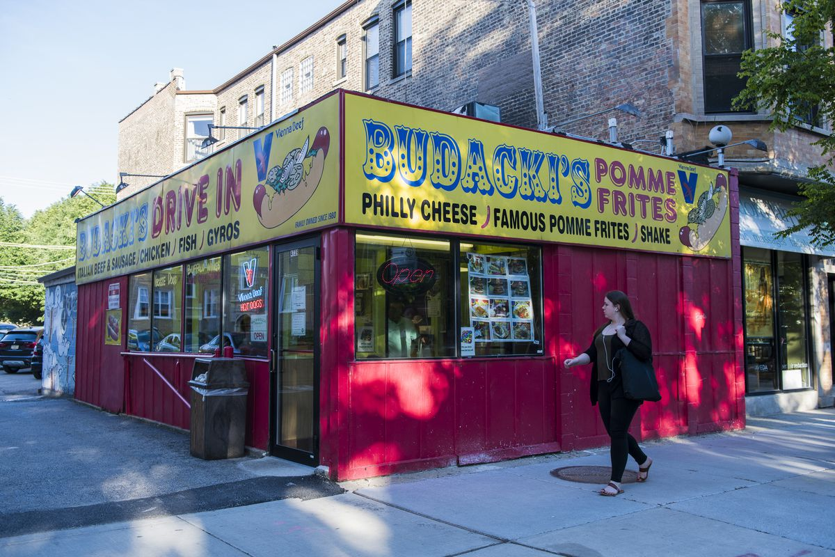 Budacki's Hot Dogs in the 4700 block of North Damen Avenue in Ravenswood.   Tyler LaRiviere/Sun-Times