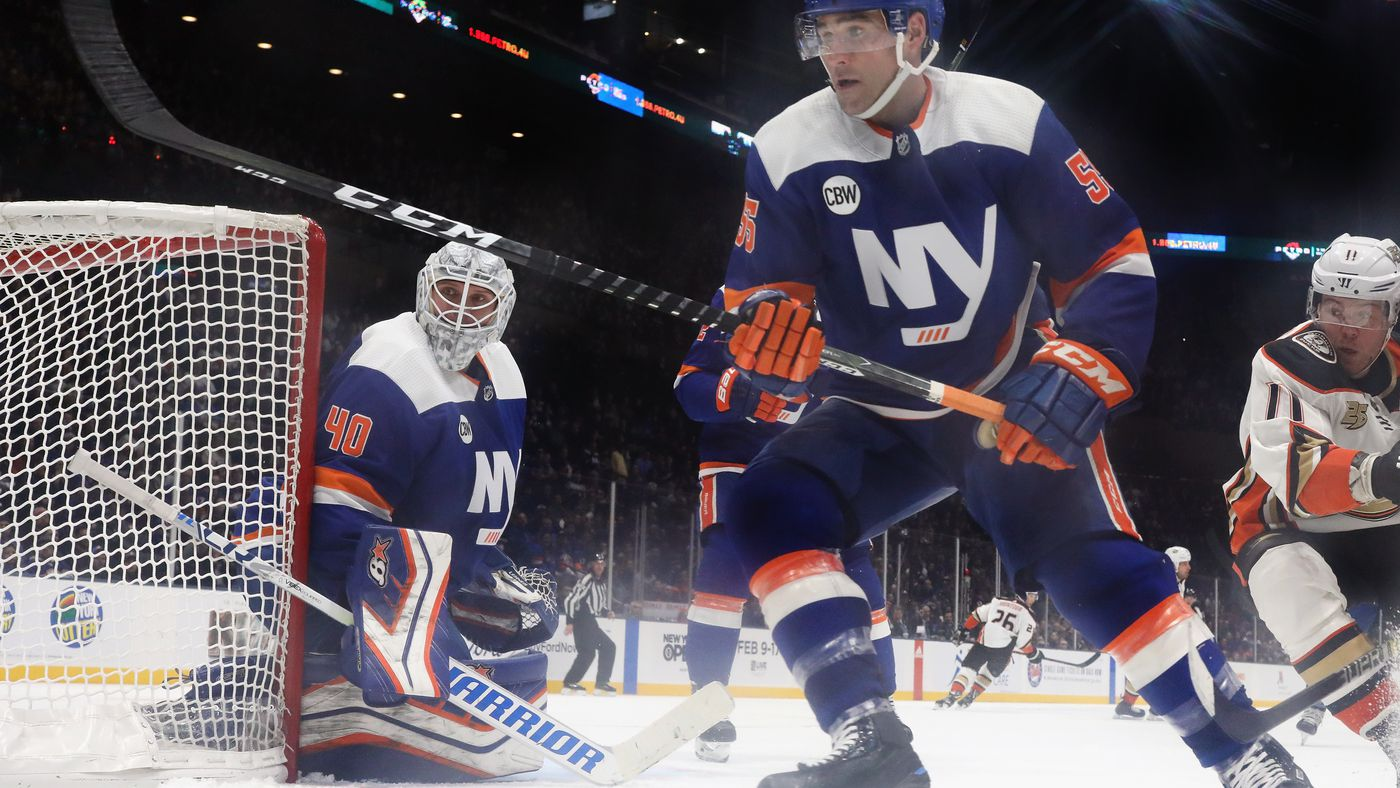 Lehner Takes League Honors As Islanders Aim For 6th Win In A Row