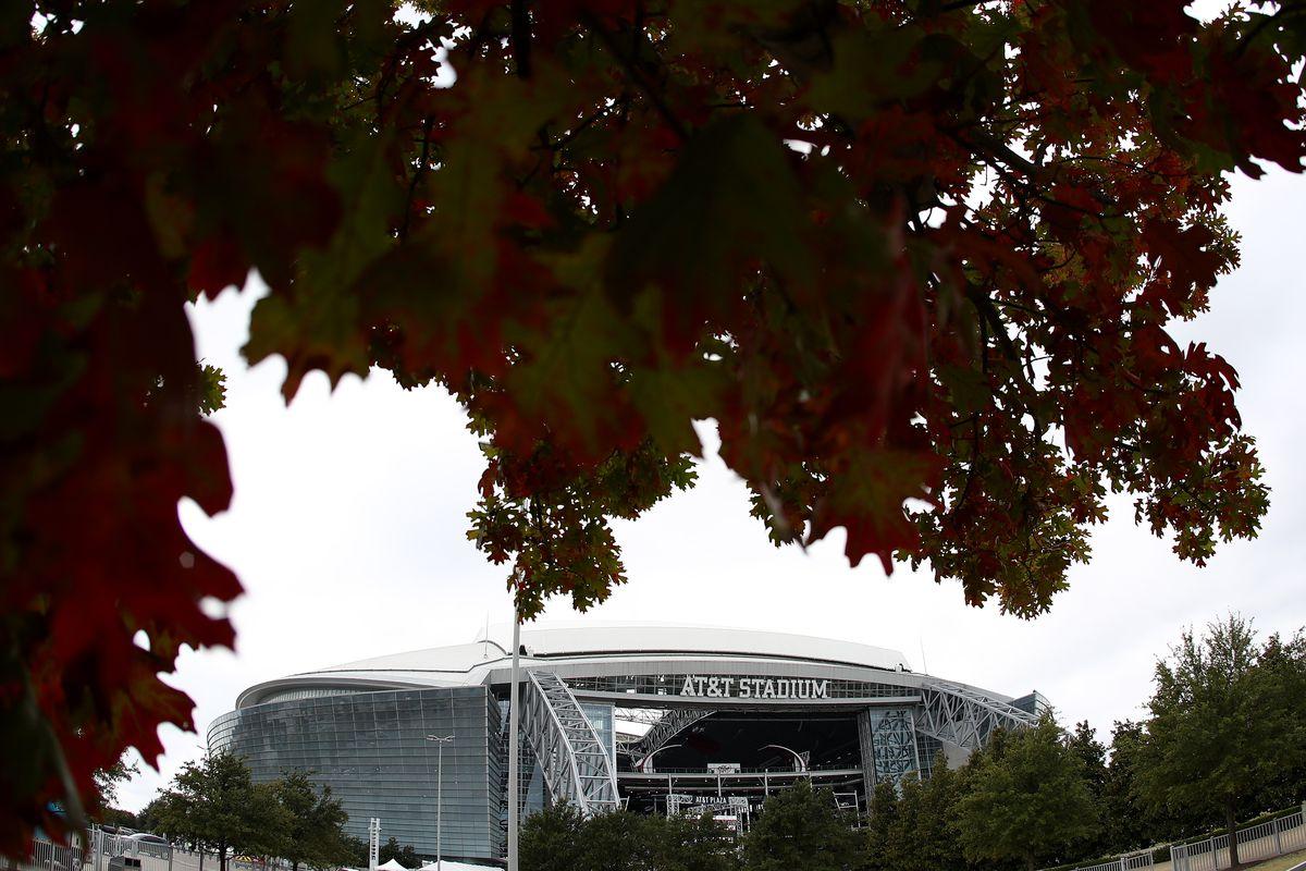 Pittsburgh Steelers v Dallas Cowboys
