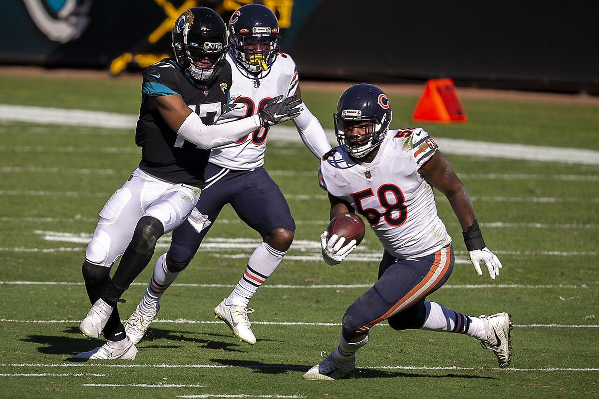 Bears linebacker Roquan Smith led the Bears with 139 tackles, including 18 tackles-for-loss and made the All-Pro second team in 2020.