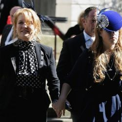 LONDON - SEPTEMBER 18:  Sarah Ferguson, The Duchess of York, and Princess Beatrice leave the Isabella Blow Tribute at Guards Chapel on September 18, 2007 in London, England.  The magazine editor and international style icon died at the age of 48 in May.
