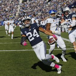 Brigham Young Cougars running back KJ Hall runs in for a touchdown against the San Jose State Spartans during NCAA football in Provo on Saturday, Oct. 28, 2017.