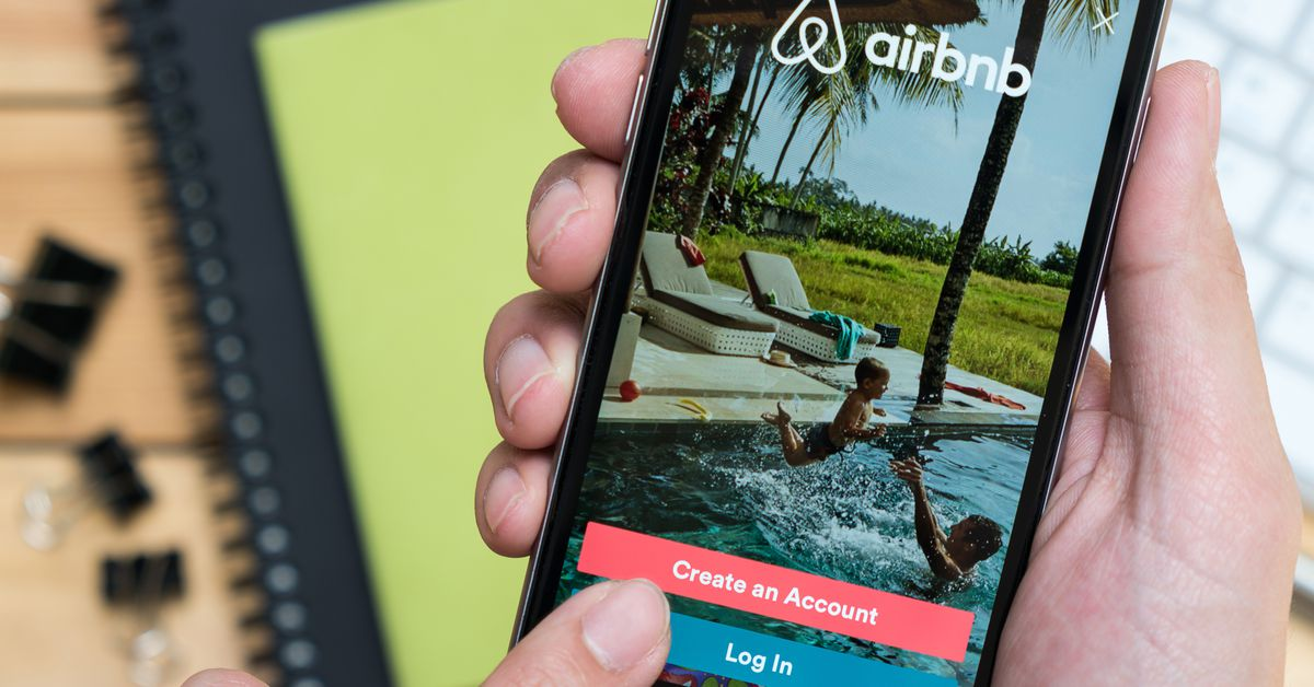 Airbnb-powered             apartment complex shows real estate playing home-sharing game