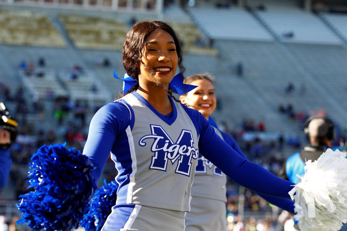 """<p zoompage-fontsize=""""15"""" style="""""""">COLLEGE FOOTBALL: DEC 22 Birmingham Bowl - Memphis v Wake Forest"""