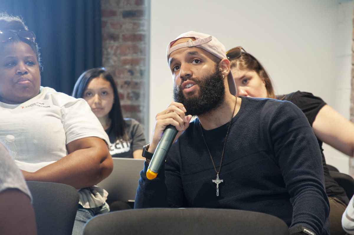 The Education Trust's Ariel Lopez answers a discussion question at Chalkbeat Newark's listening tour event.