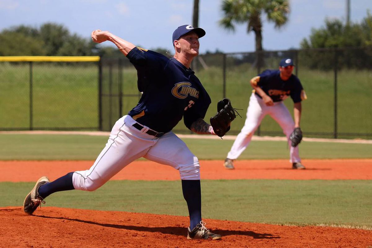 Bowden Francis pitches in college