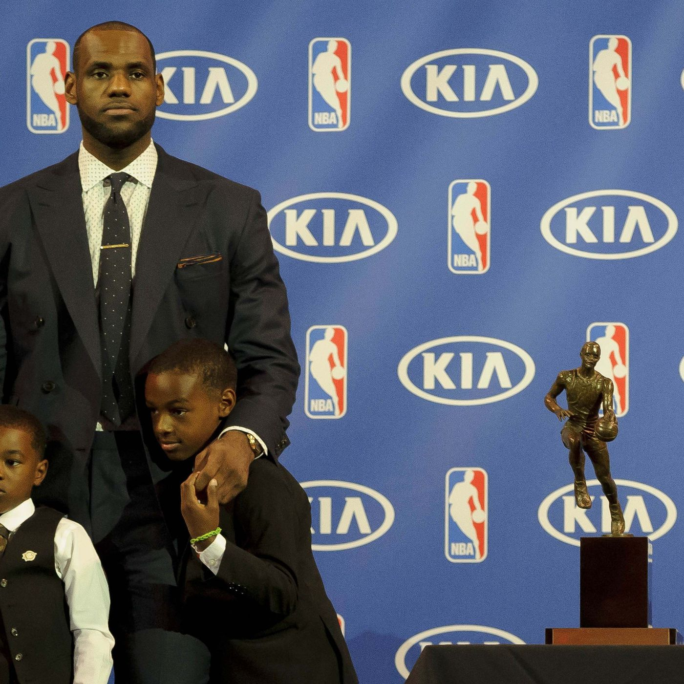 LeBron James writes a letter thanking his absent dad