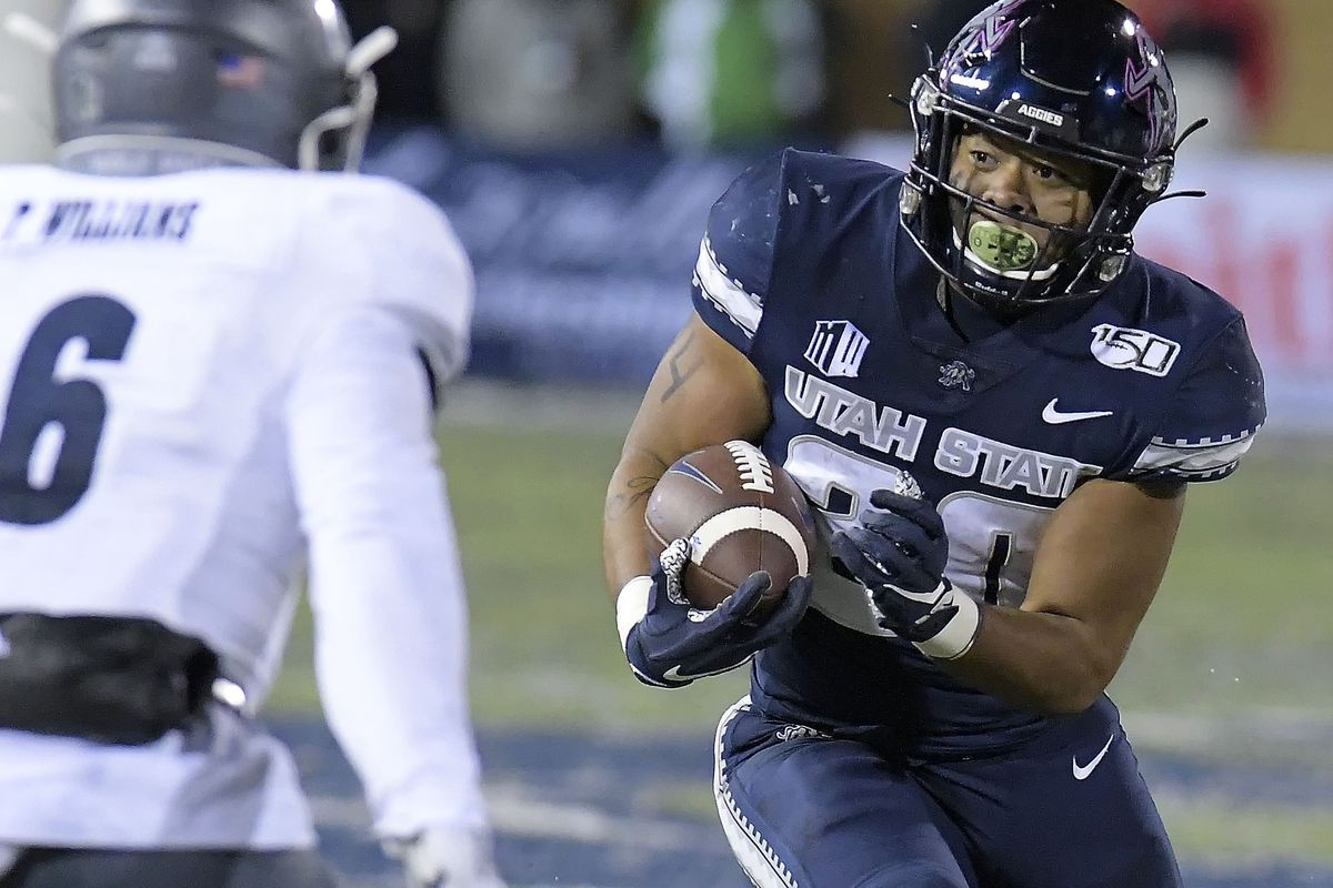 Highlights Key Plays And Photos From Utah State S 36 10 Win Over Nevada Deseret News