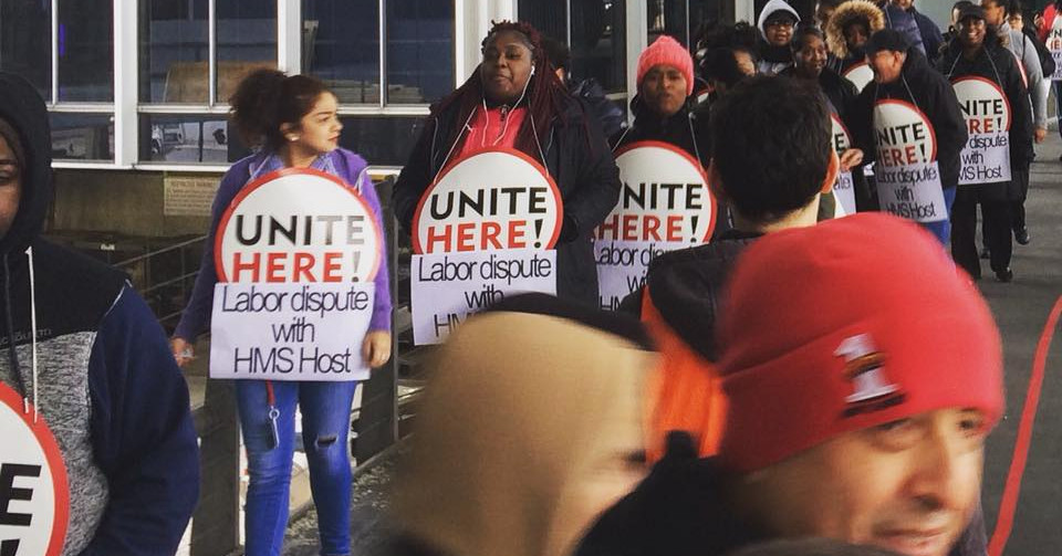 O'Hare Airport Restaurant Workers are On Strike - Eater ...