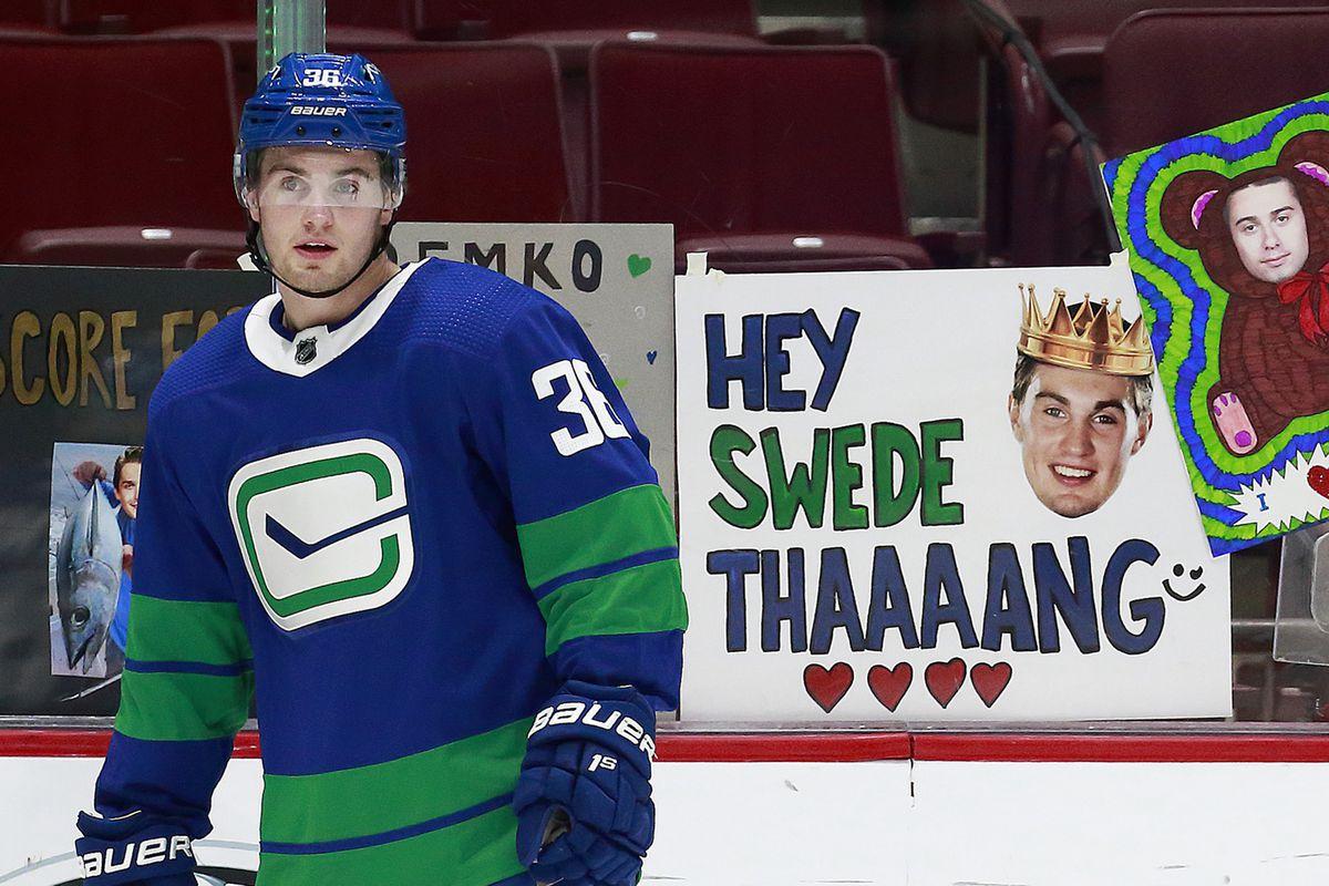 Toronto Maple Leafs v Vancouver Canucks