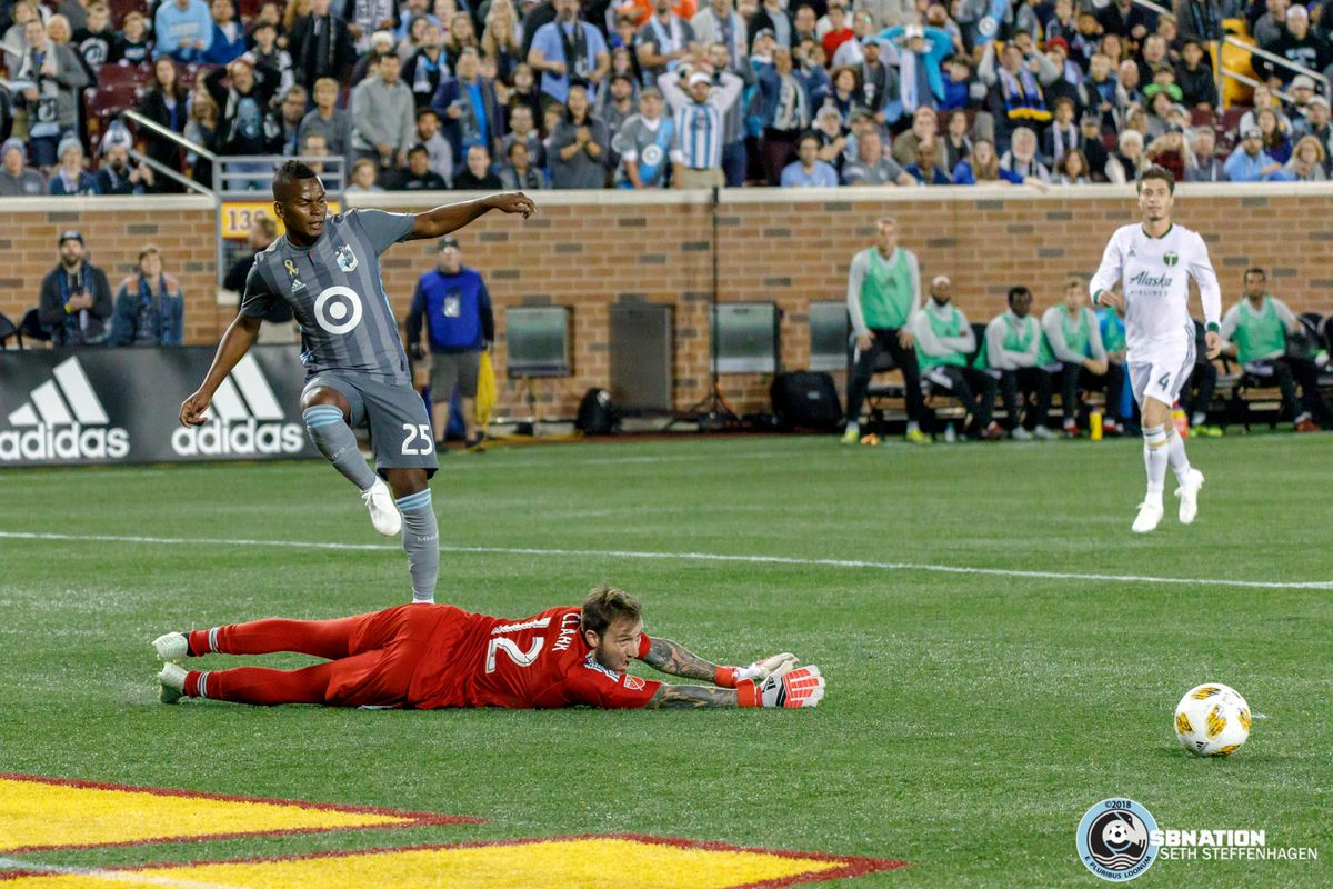 September 22, 2018 - Minneapolis, Minnesota, United States - Minnesota United forward Darwin Quintero (25) passes the ball to Minnesota United midfielder Romario Ibarra (11) for an assist during the match against the Portland Timbers at TCF Bank Stadium.