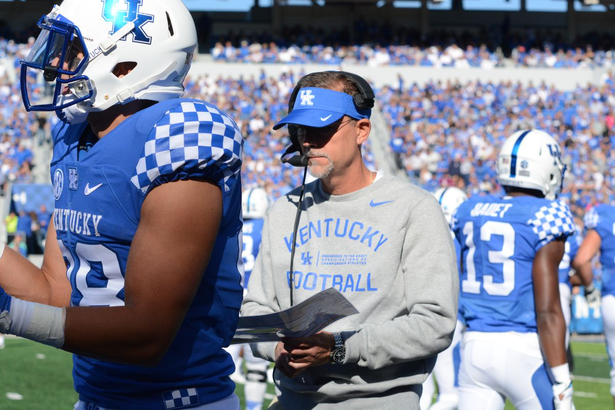 Uk Football Nfl Scout Rips Kentucky S Offensive Play Calling A