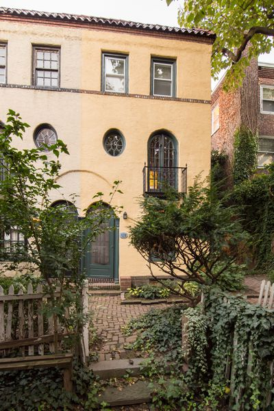 Small Home Tucked Away In Rittenhouse Square Asks $395K - Curbed
