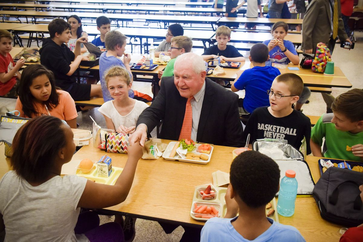 US Secretary of Agriculture Sonny Perdue has lunch at Catoctin Elementary  School on May 1 in Leesburg, Virginia. Perdue and Sen.