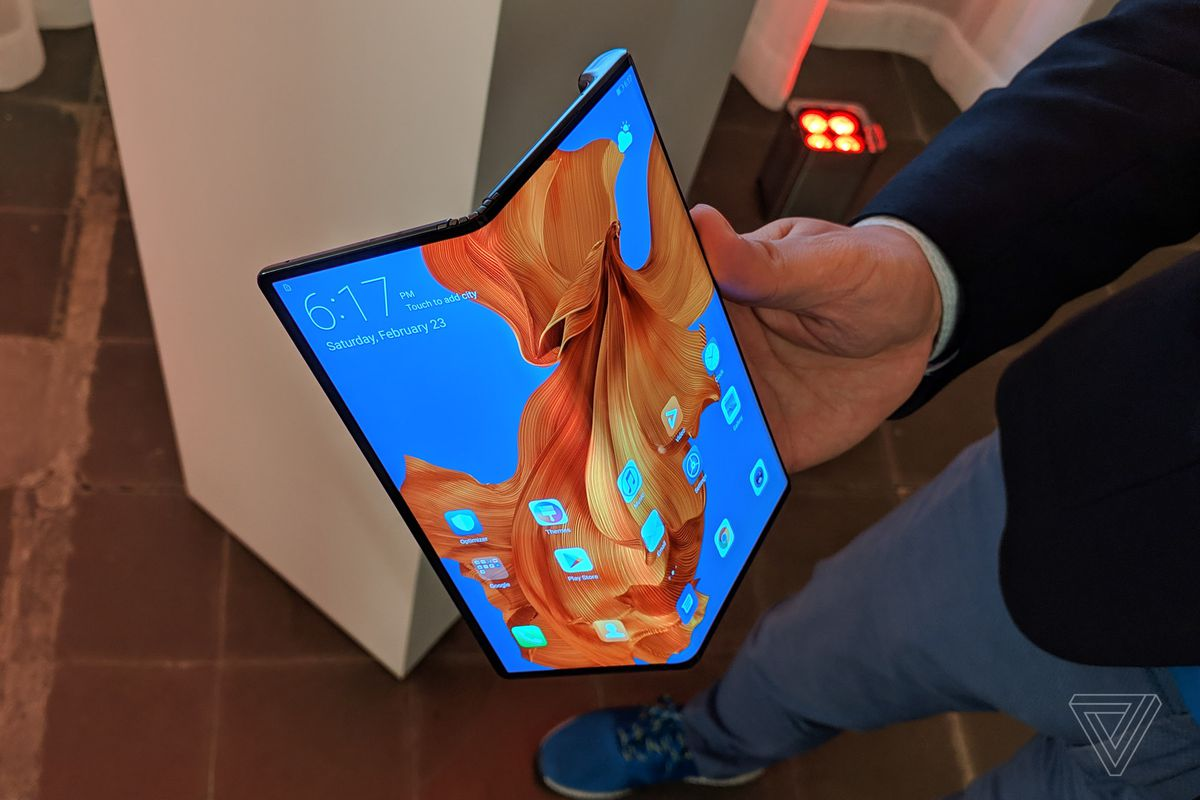 Foldable phones are about to make the US very jealous - The