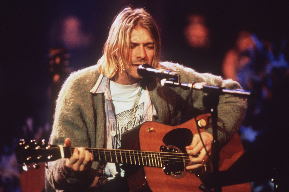 "Kurt Cobain guitar from ""MTV Unplugged"" sells for $6 ..."