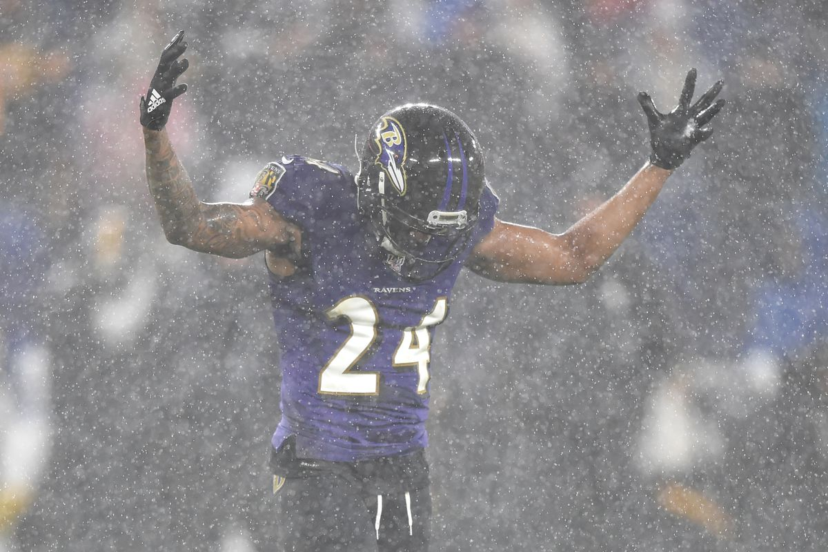 Baltimore Ravens cornerback Marcus Peters celebrates a play in fourth quarter against the Pittsburgh Steelers at M&T Bank Stadium.