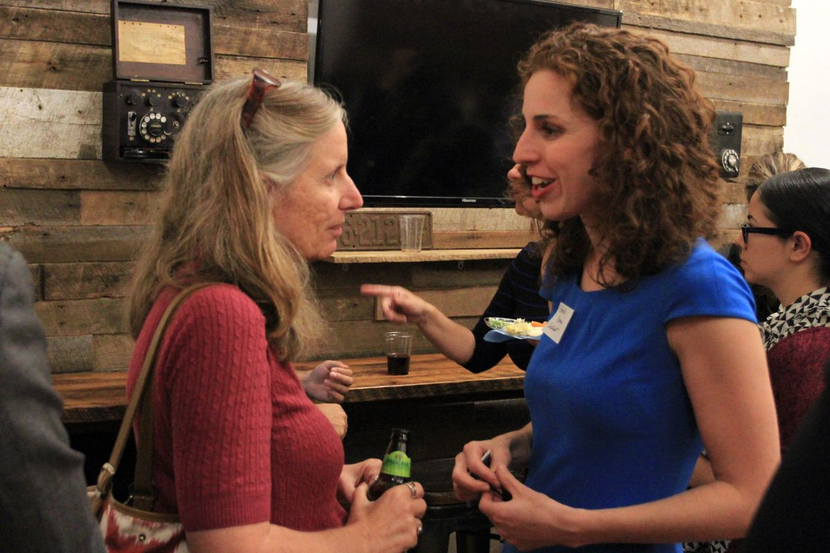 Class Size Matters founder and executive director Leonie Haimson (left) speaks with Chalkbeat CEO and co-founder Elizabeth Green.