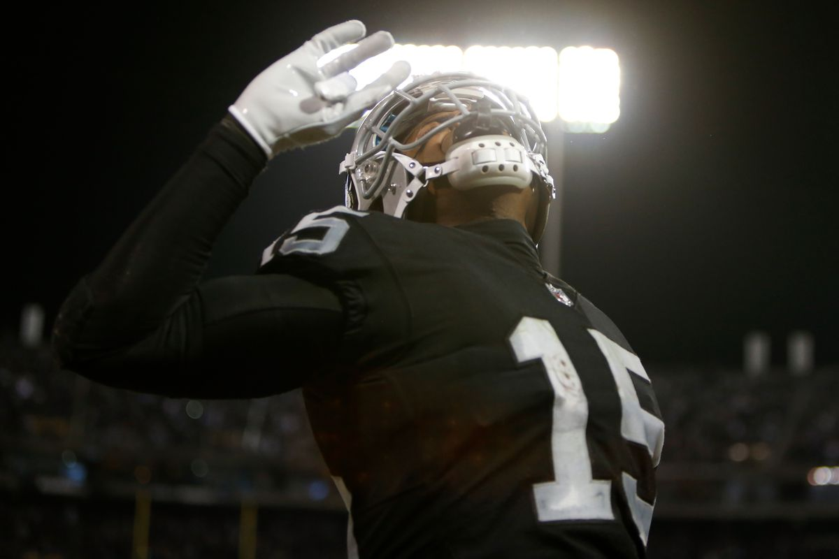 Michael Crabtree signs 3-year deal with Ravens