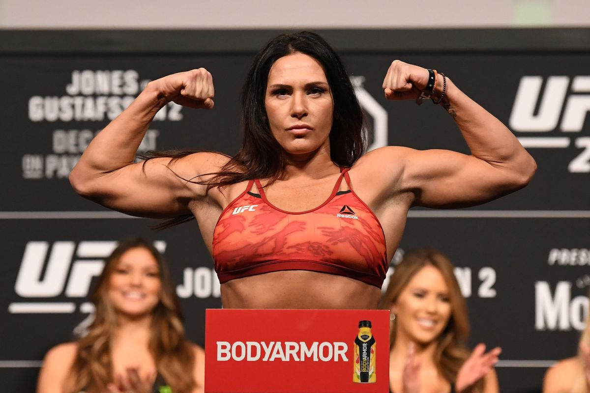 Cat Zingano ahead of her fight at UFC 232 in 2018.