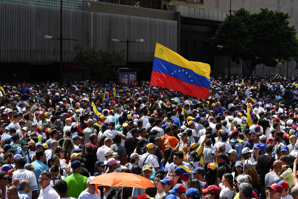 Venezuelan Scientist Offers Reality >> Venezuela Why Trump Backs Guaido And Protestors Want Maduro Out Vox