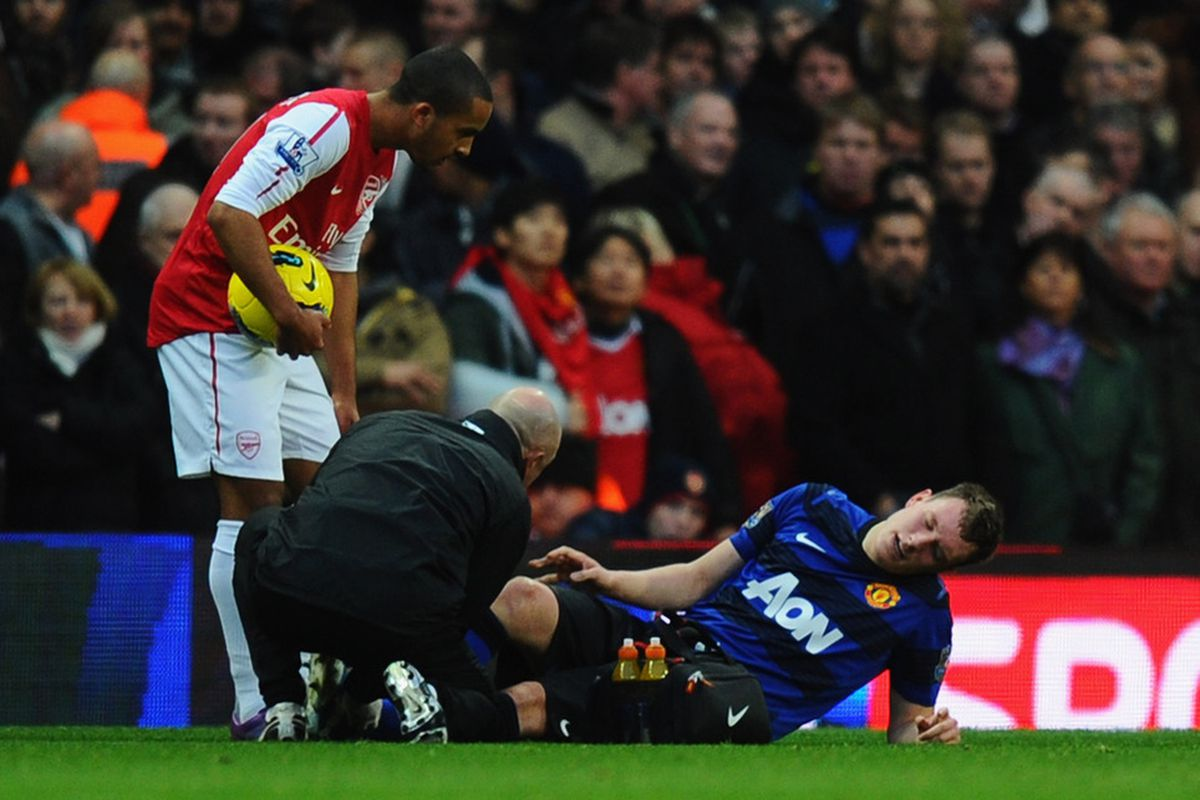 Phil Jones will be out for a few weeks according to manager Sir Alex Ferguson