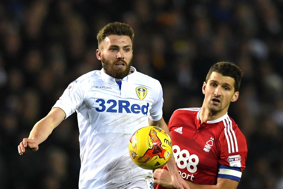 Leeds fans react on Twitter as Stuart Dallas signs new contract