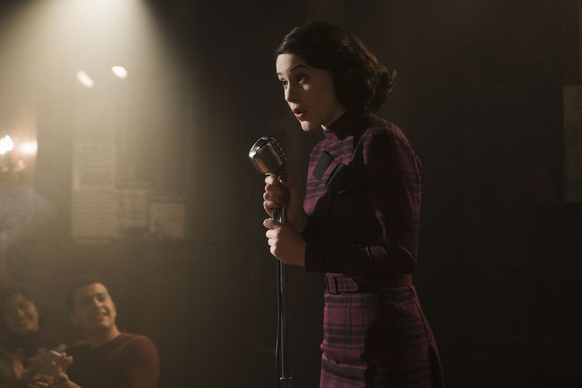 64eebdfed85 Rachel Brosnahan gives a thrilling performance as the marvelous Mrs. Maisel.  Amazon