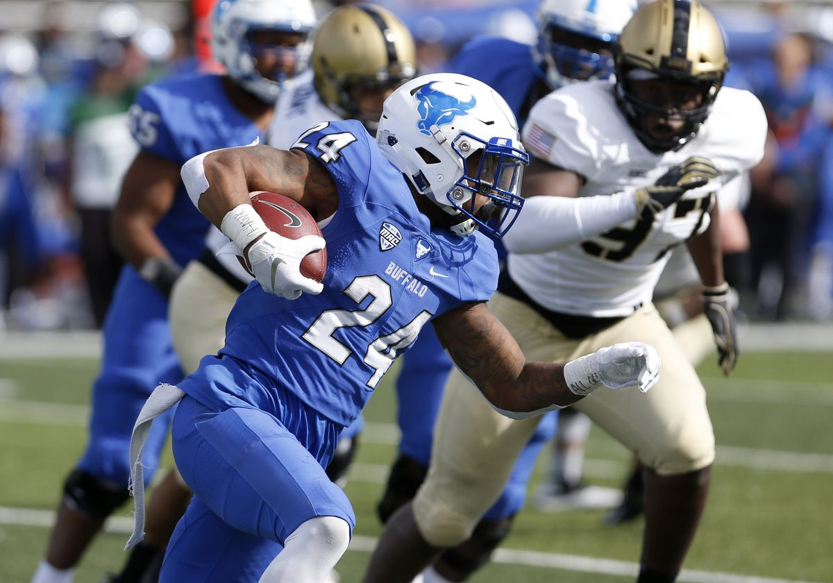 NCAA Football: Army at Buffalo